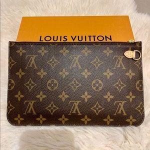Louis Vuitton Neverfull MM Monogram Wristlet Pouch